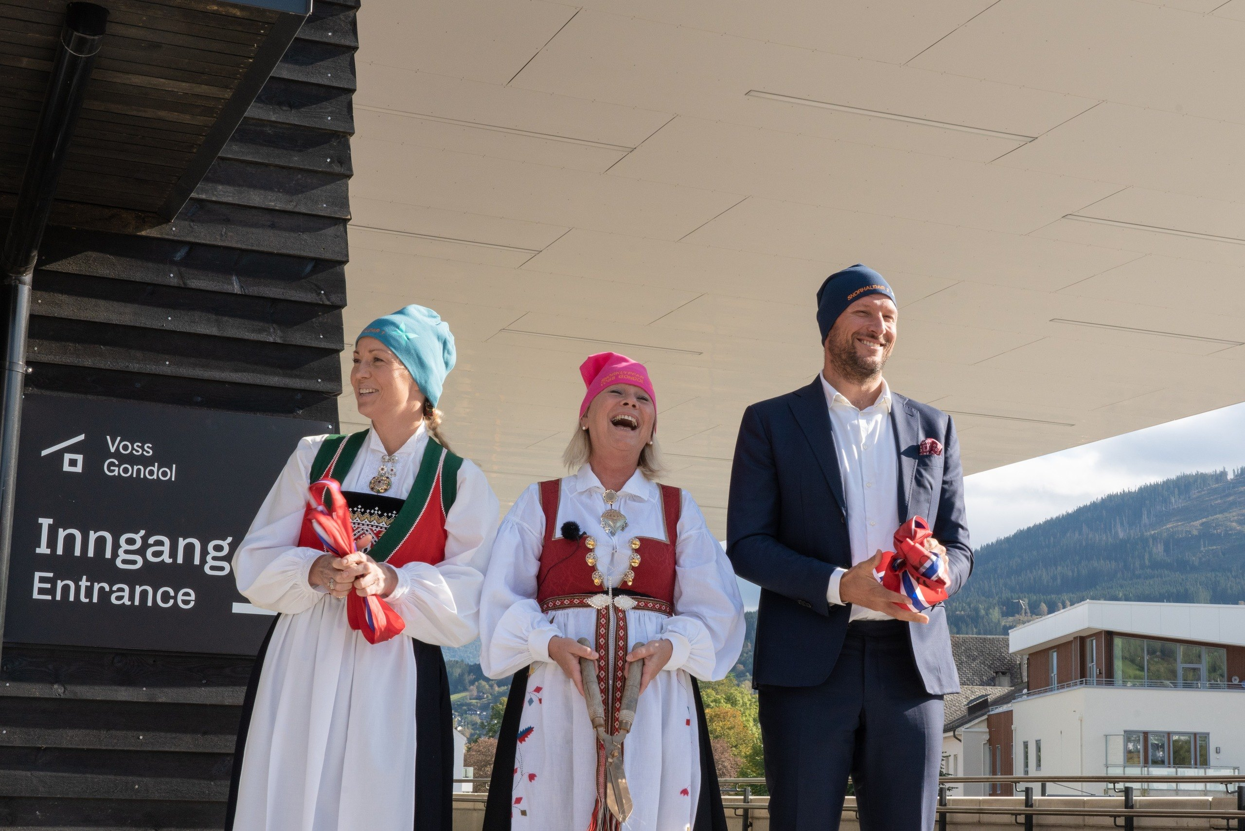 Voss' very own Kari Traa (former olympic freestyle skier), Monica Mæland (Minister of Local Government) and Aksel Lund Svindal (former World Cup and olympic ski racer) Foto: Hunnalvatn Media
